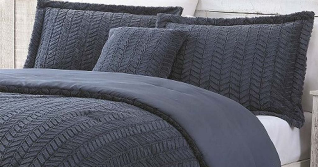 Casual Chic Collection Cozy Comforter