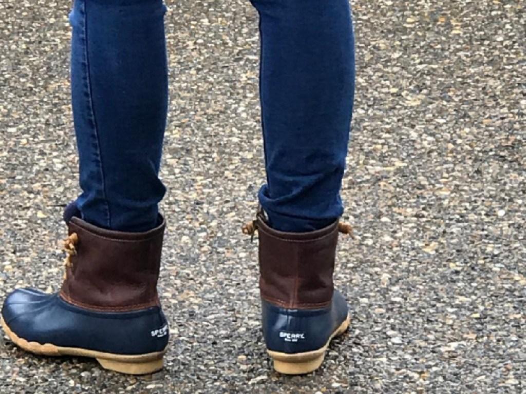 women wearing sperry duck boots