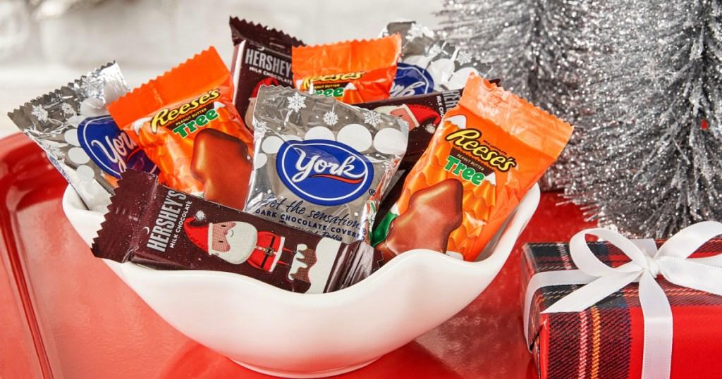 Hershey's Holiday Milk Chocolate Candy Stocking Stuffer Assortment 21-Ounce