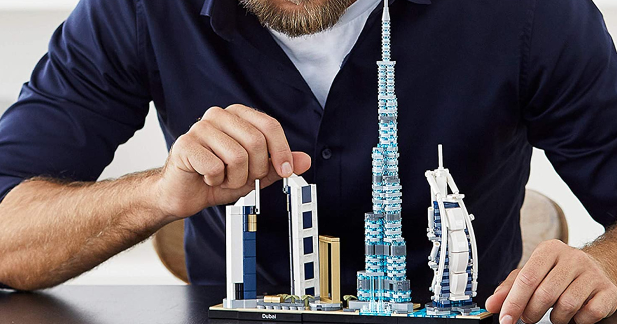 mn building a LEGO Architecture Skylines: Dubai 21052 Building Kit