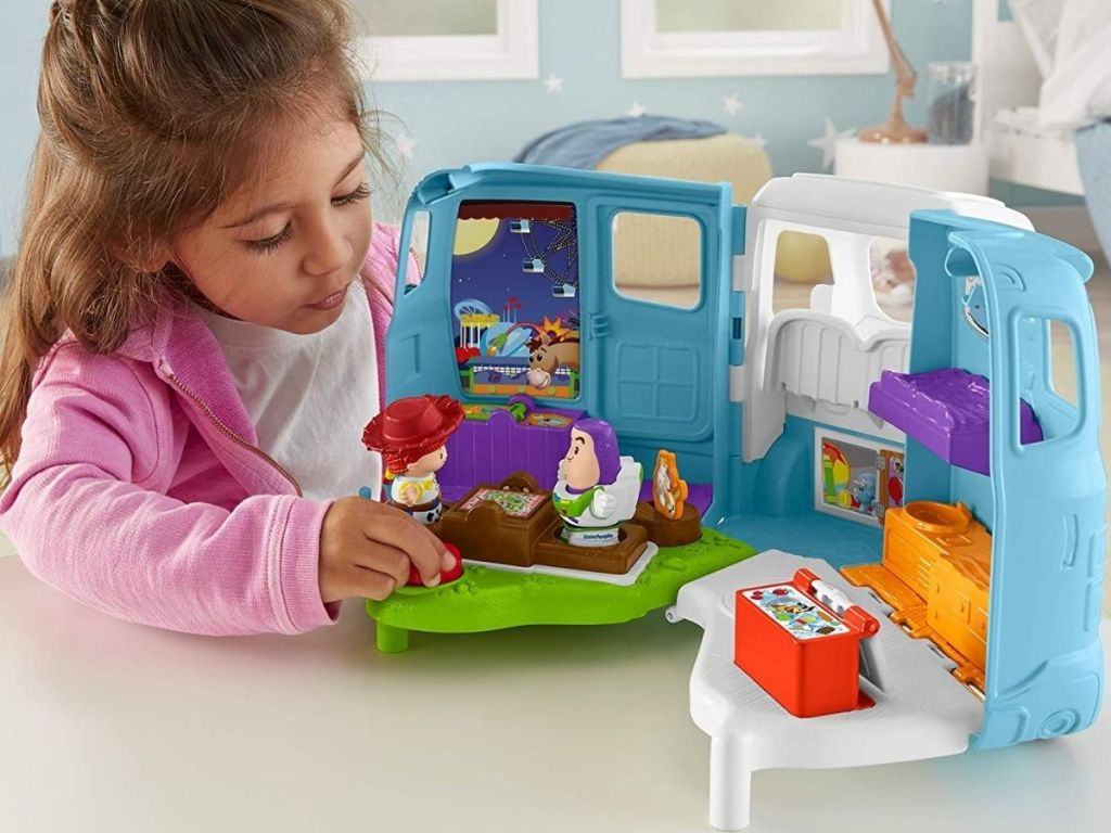 Little People Jessie's Campground Adventure Toy