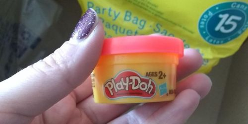 Play-Doh Mini Tubs 15-Count Party Bag Only $2.98 on Walmart.com (Regularly $6) | Valentine's Day Idea