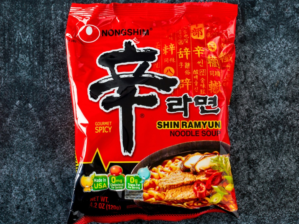 nongshim spicy korean noodle package