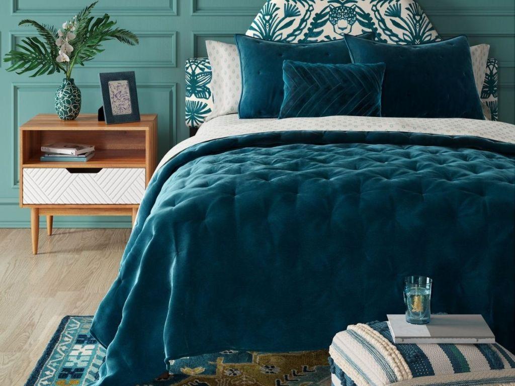 Opalhouse tufted comforter set