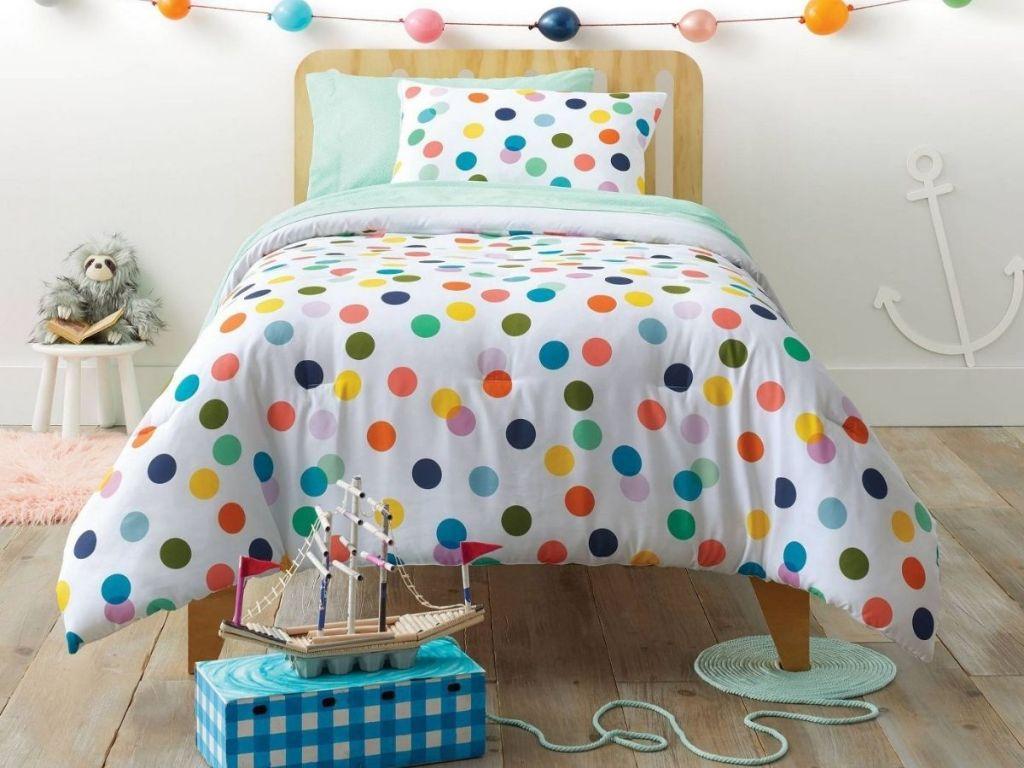 Pillowfort Dot Confetti Comforter Set