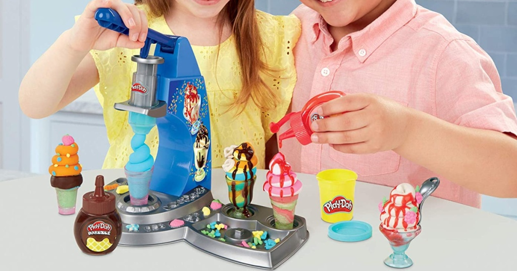 Play-Doh Kitchen Creations Drizzy Ice Cream Playset Featuring Drizzle Compound Set