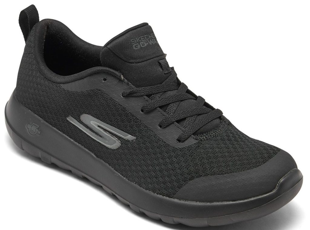 mens black sneaker