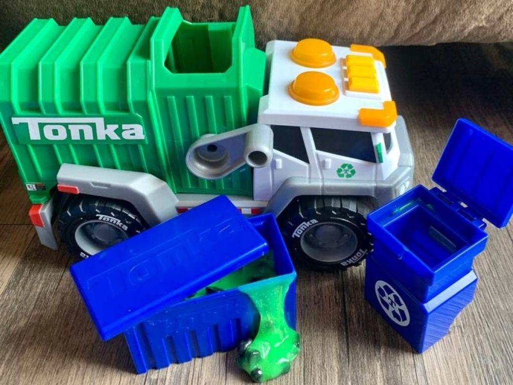 Tonka Garbage Truck w_ Slime on floor