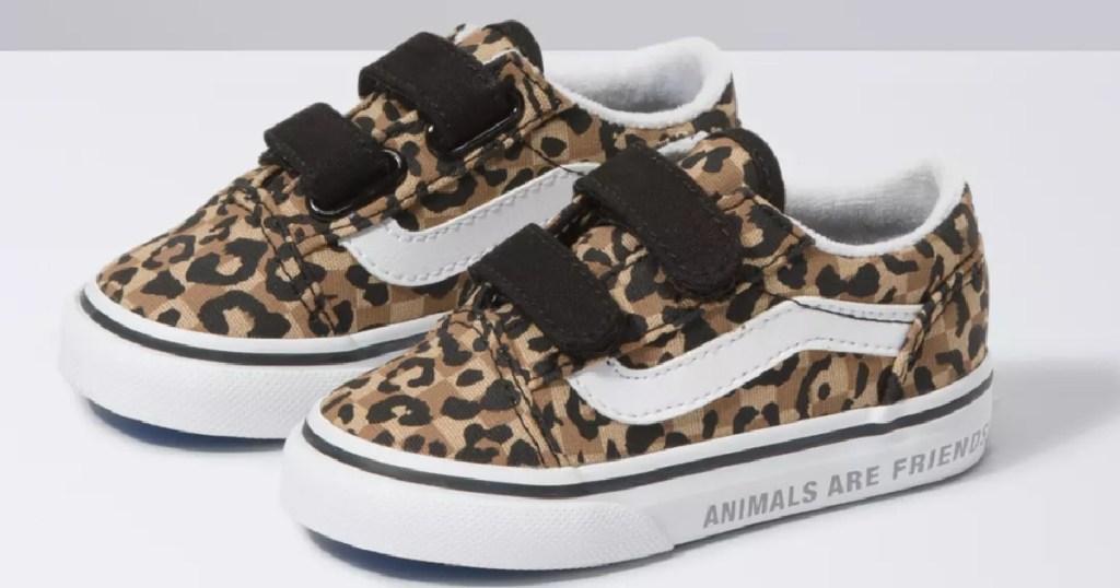 leopard pair of Vans Toddler Animal Checkerboard Old Skool