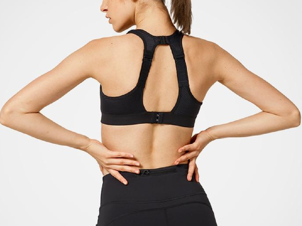 lady wearing a Yvette Sports bra