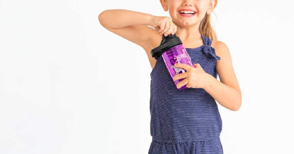 camelbak chute mag water bottle in girls hand