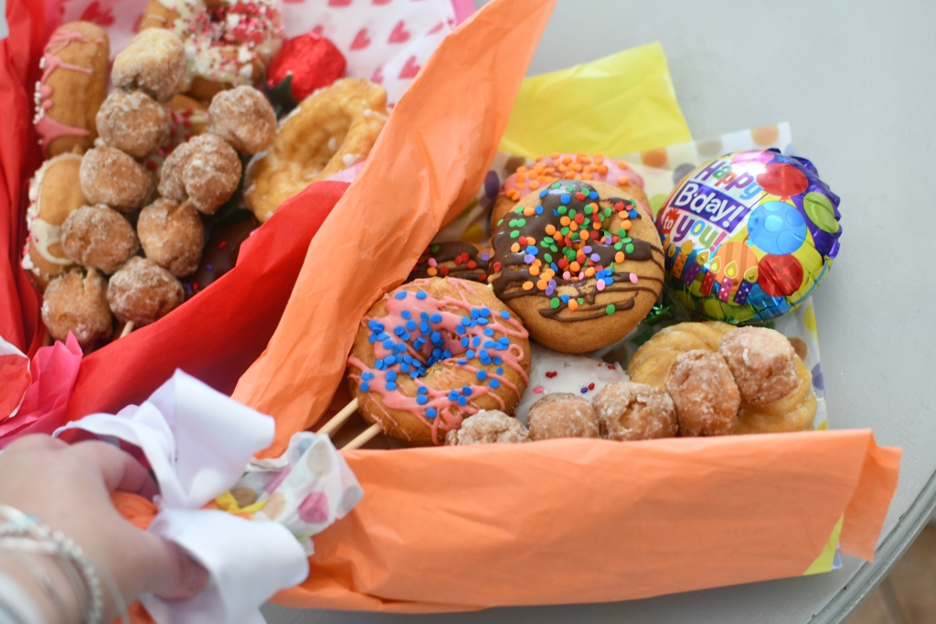 happy birthday bouquet using donuts