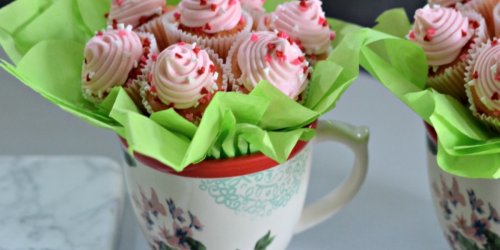 Make This Mini Cupcake Flower Bouquet in Under 15 Minutes