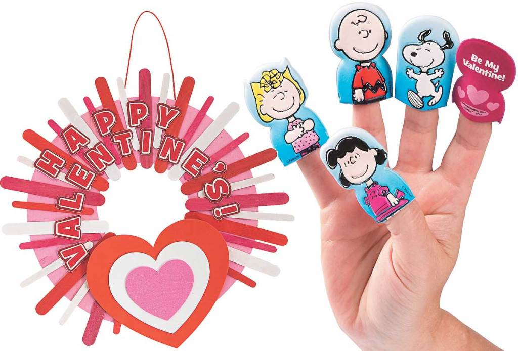 stick valentines day wreath and snoopy puppets