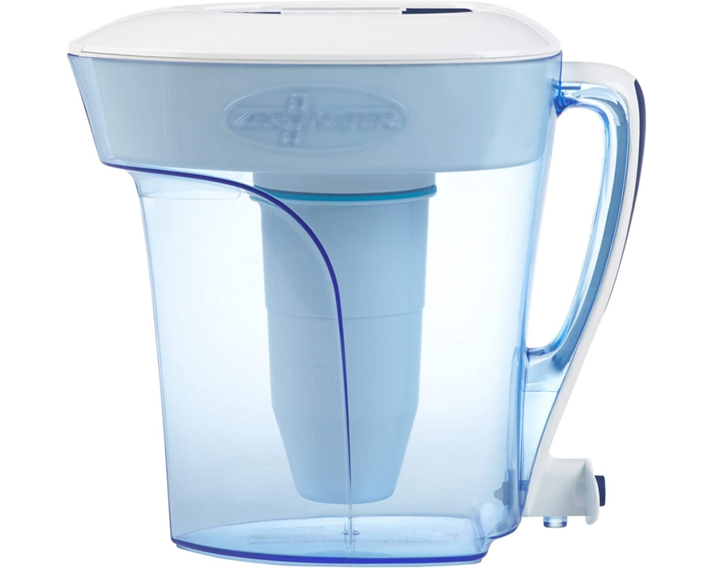 zerowater pitcher w: handle from side angle