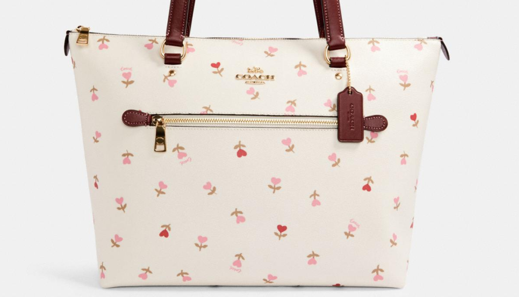 Coach tote bag with heart print