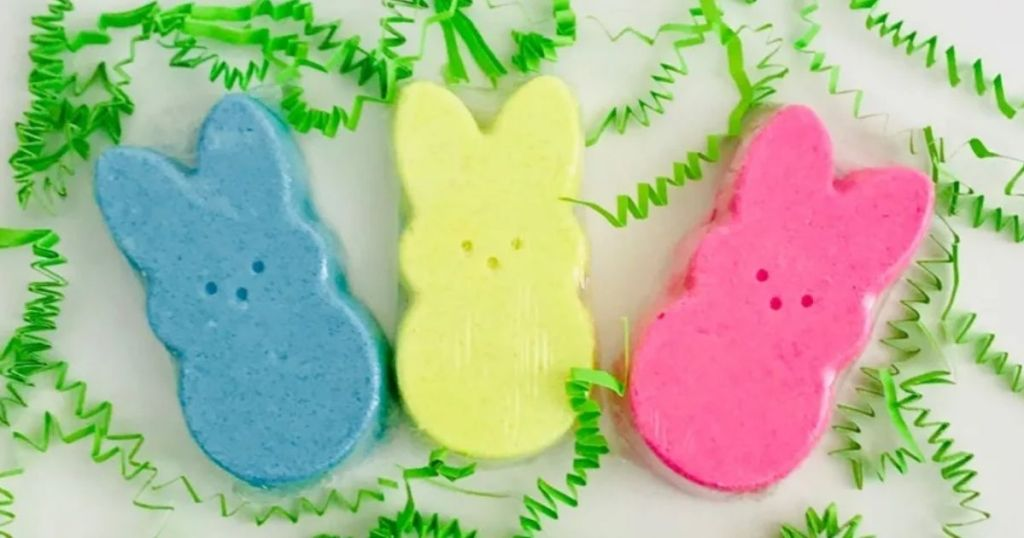 Easter Peeps Bath Bomb Set open with green grass