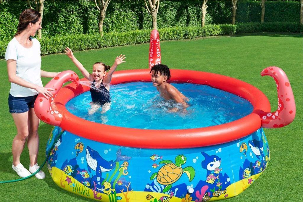 Kids playing in H2OGO! Sea Pals Splash Pool