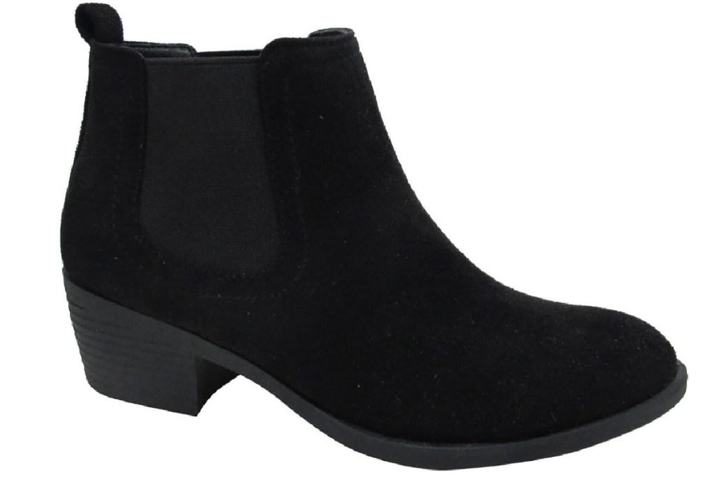 black block heel bootie