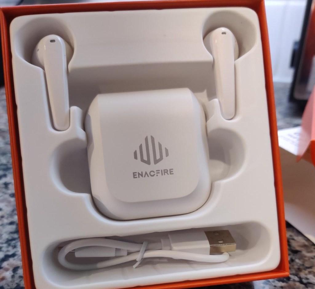 enacfire geek earbuds in box