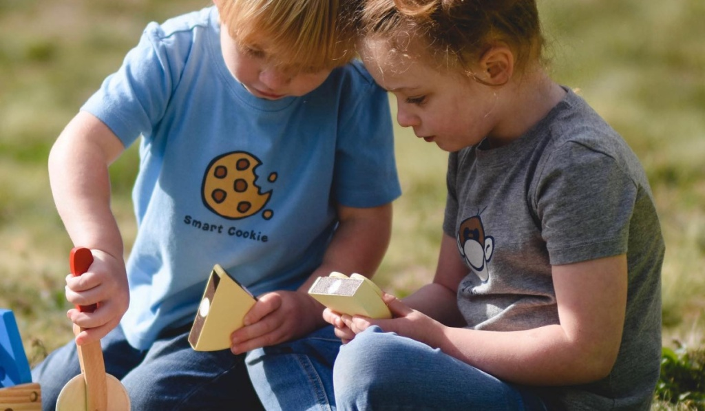 two life is good tees for kids