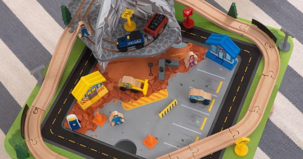 KidKraft Rocky Mountain Train Set & Table
