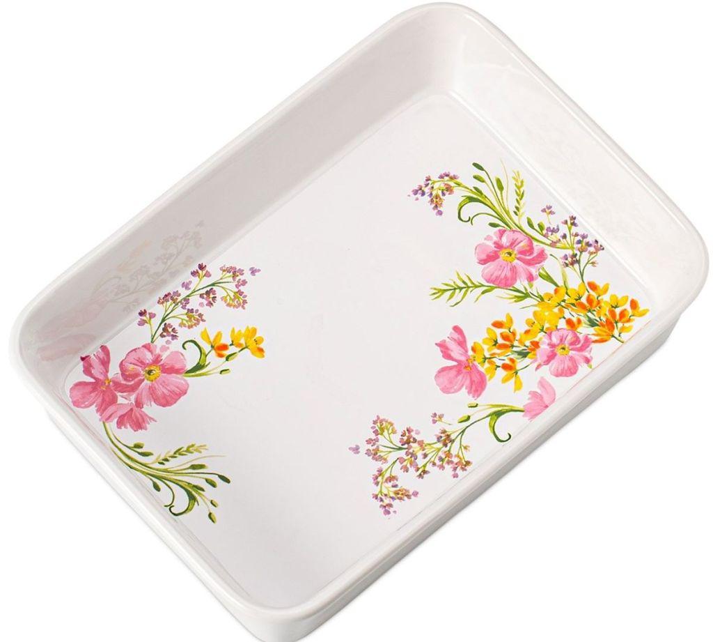 lasagna pan with floral design