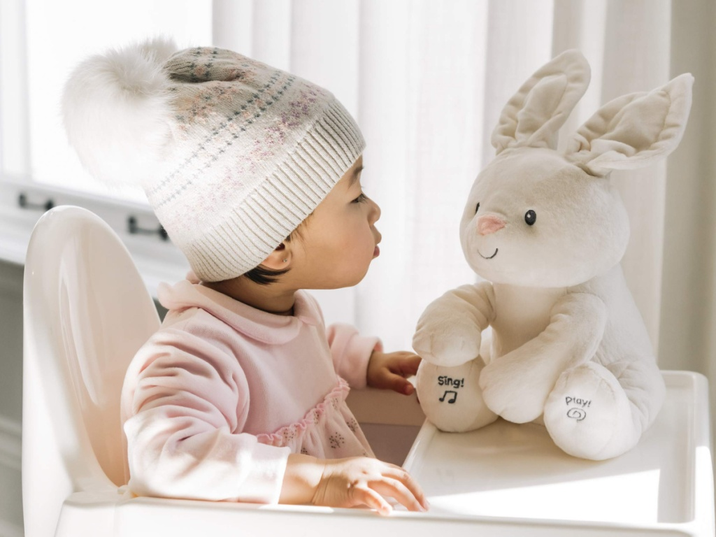 baby with gund bunny