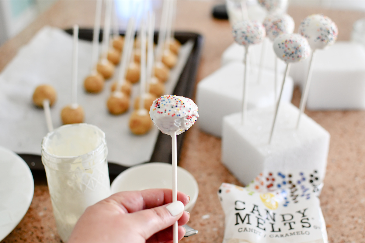 learning how to make cake pops