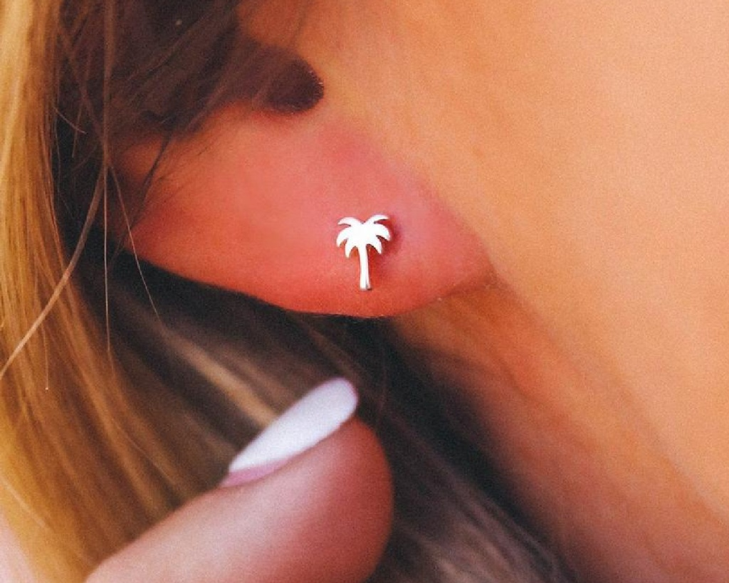 pura vida palm earring