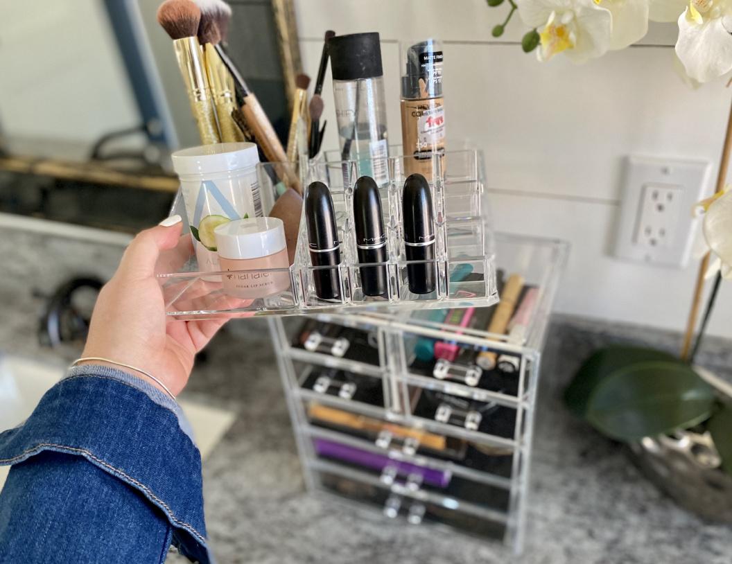 removable top of makeup organizer