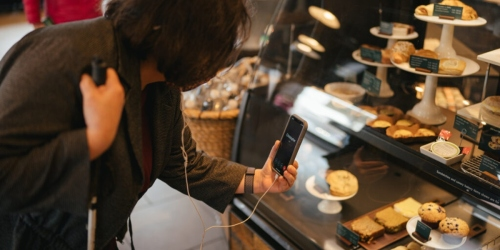 Starbucks is Offering an App to Assist its Blind & Visually Impaired Customers