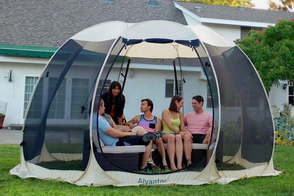 Alvantor Outdoor Pop-Up Canopy with people inside