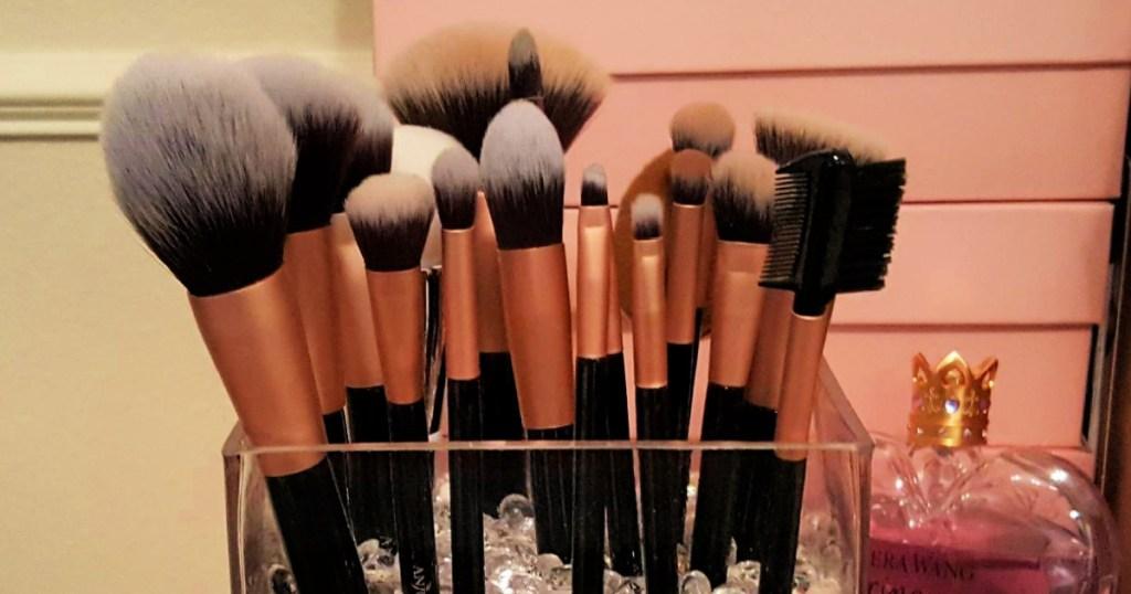 Anjou 16-Piece Makeup Brush Set