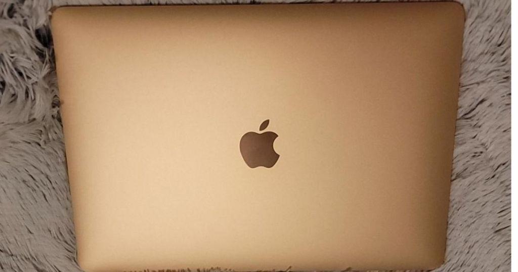 "Apple MacBook Air 13.3"" Gold closed"