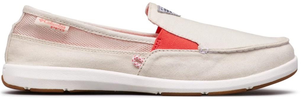 Women's boat-style shoe