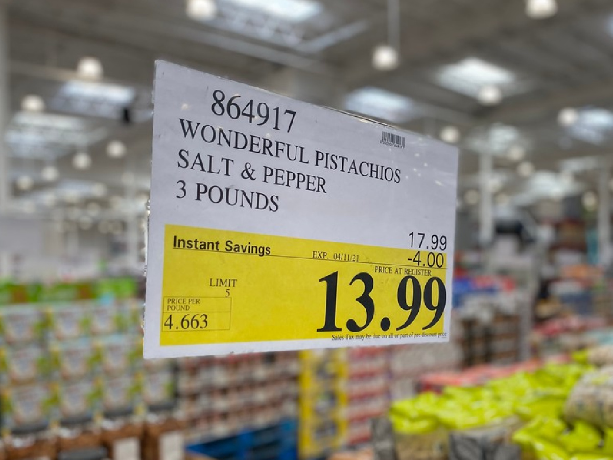 costco sale sign showing the savings on wonderful pistachios