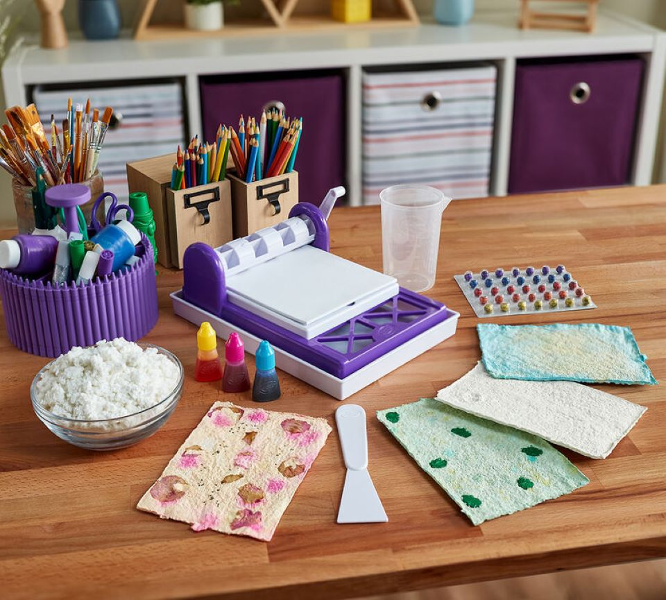 Crayola Paper Maker and paper
