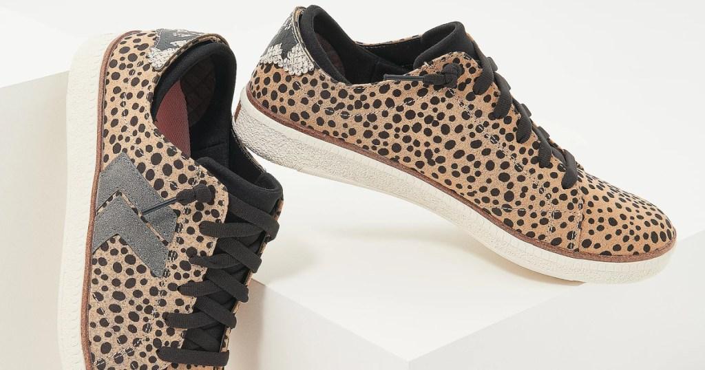 women's leopard print sneakers