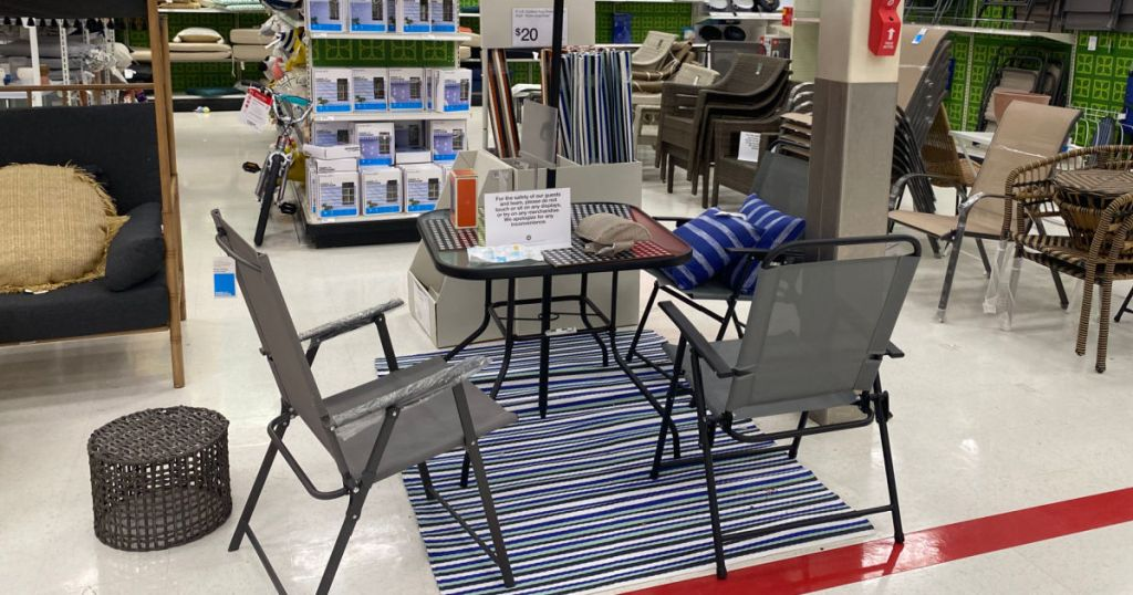 folding table store display