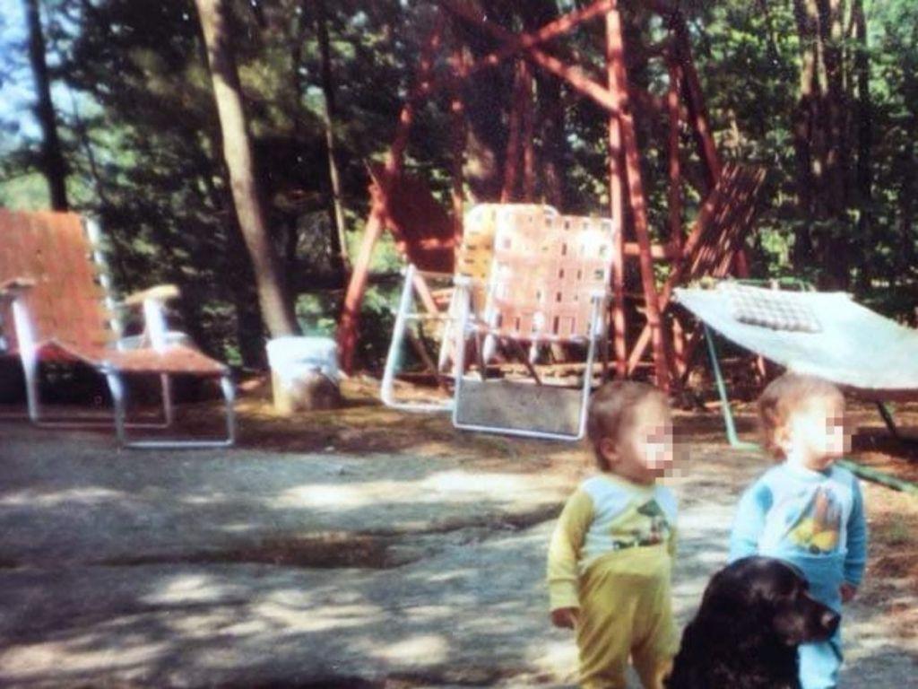 retro picture of orange lawn chairs