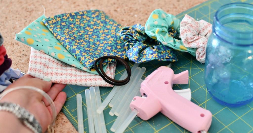 supplies to make no sew hair scrunchies - how to make a scrunchie