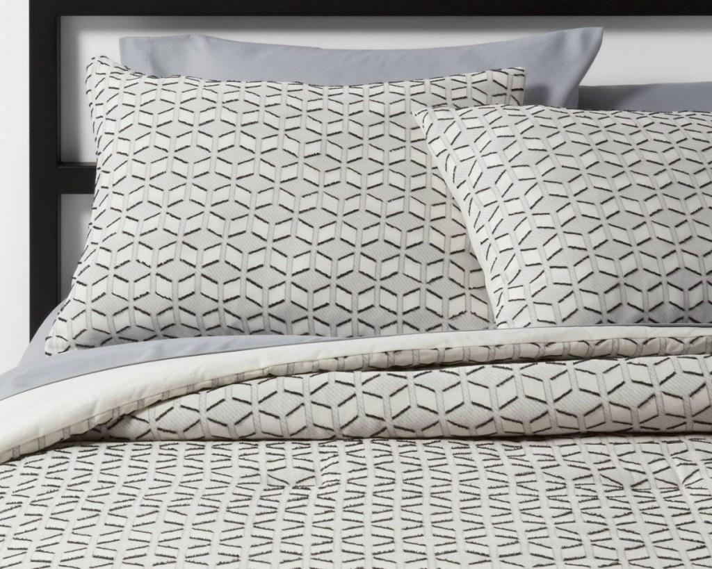 threshold geometric bedding
