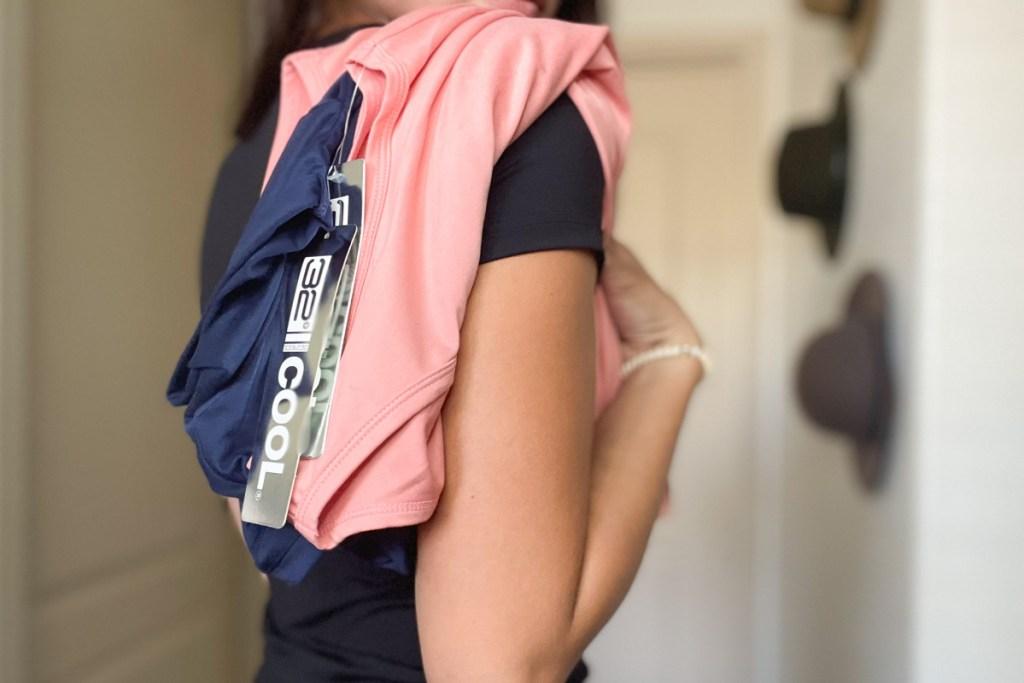 32 degrees apparel over womans shoulder