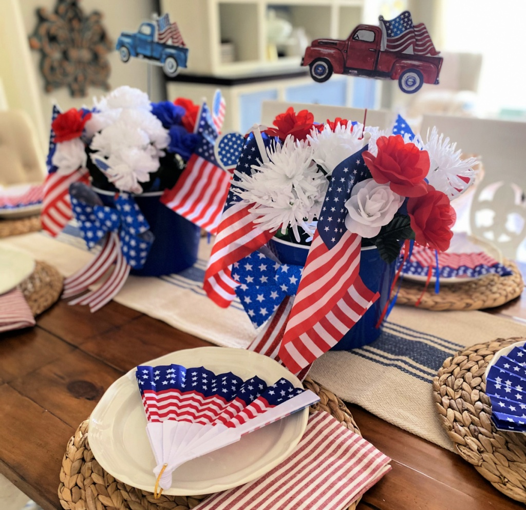 4th of july table from dollar tree