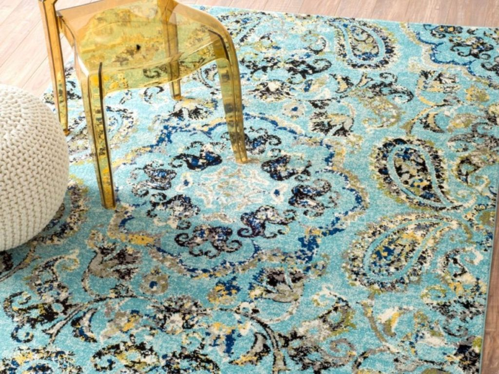 5x7 Area Rug with chair