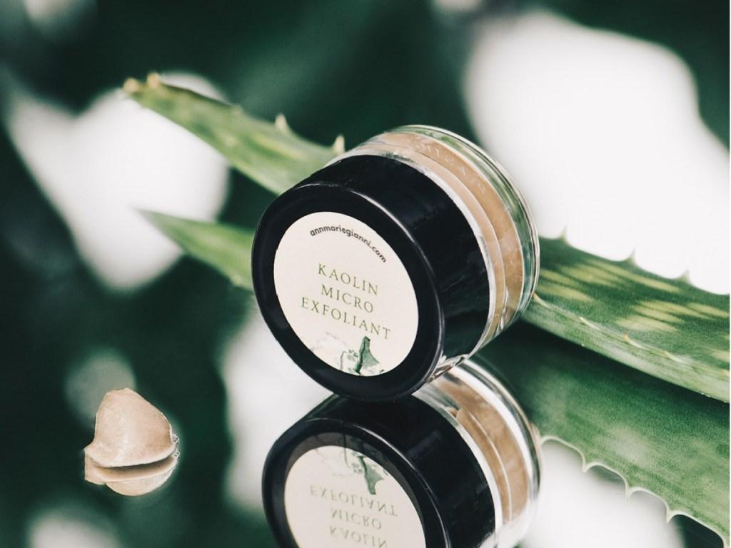 beauty mask sample jar