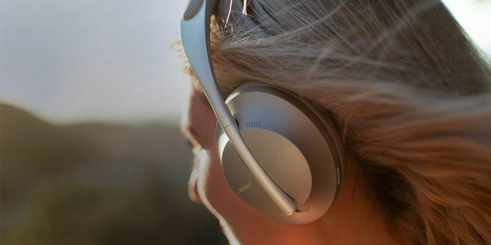 woman wearing a pair of headphones