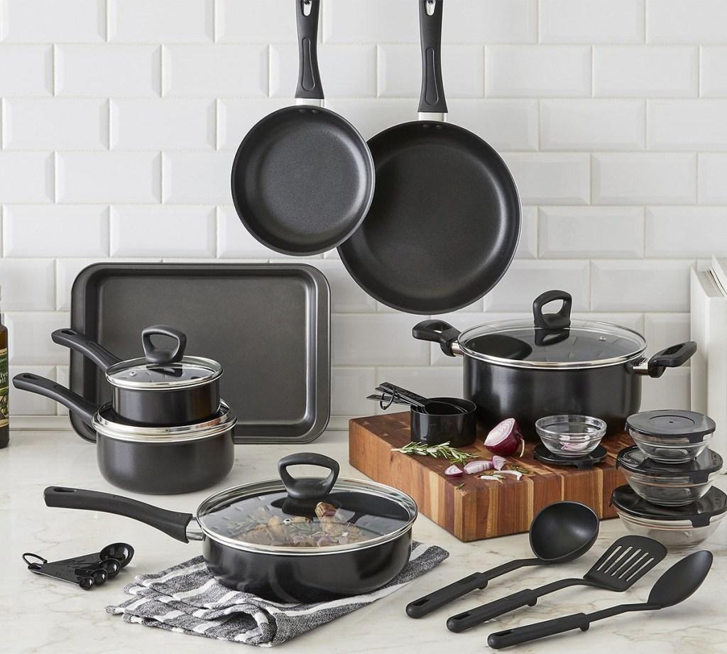 Cooks Cookware set