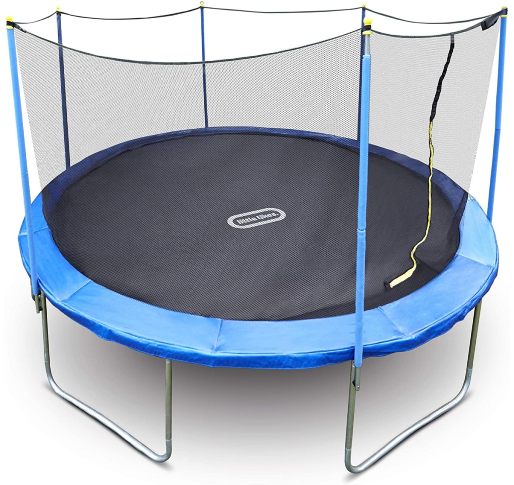 Large kids trampoline with netting